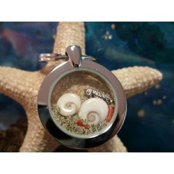 Stainless steel keyring eye of Saint Lucia and red coral